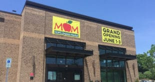 MOM's organic market, MOM's organic market