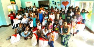 Goya Foods y la NSA donan juguetes a huérfanos en la República Dominicana