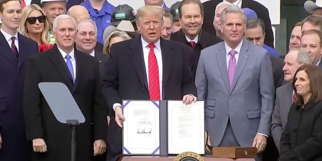 Trump signed the USMCA - Firma del T-MEC
